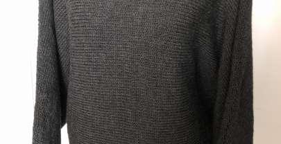 Quergestrickter Pullover aus Merinowolle